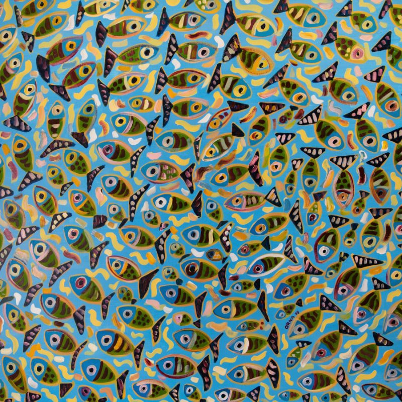 Colourful fish swinging in circles