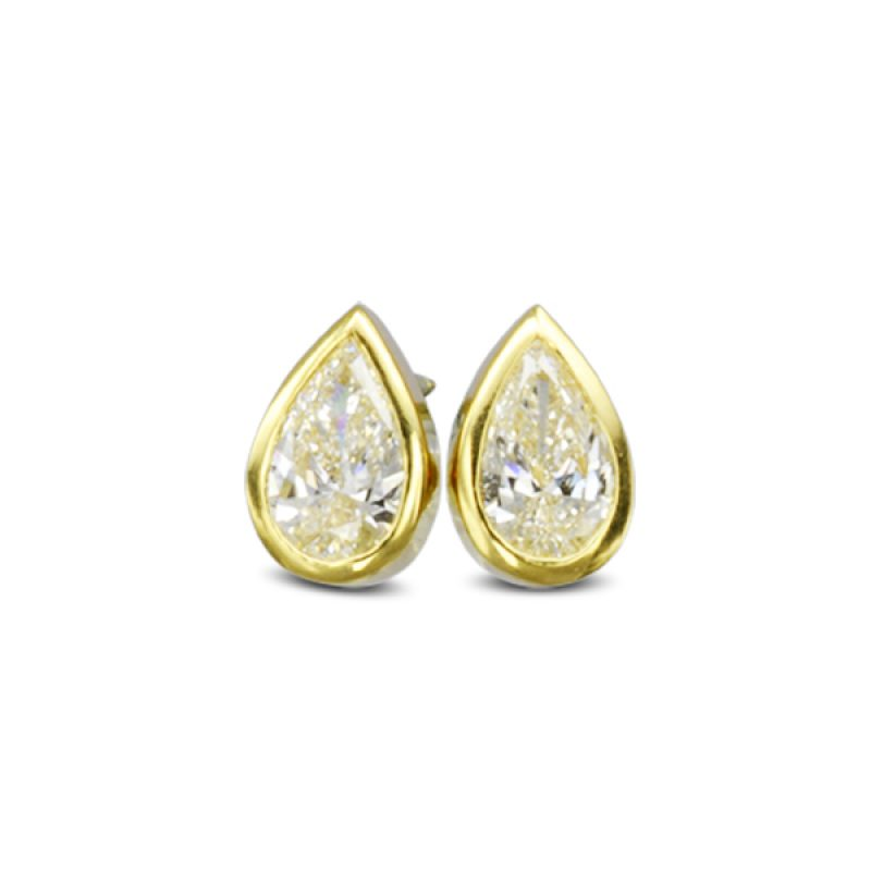 A pair of 18 ct yellow gold pear 0.8ct diamond earstuds.
