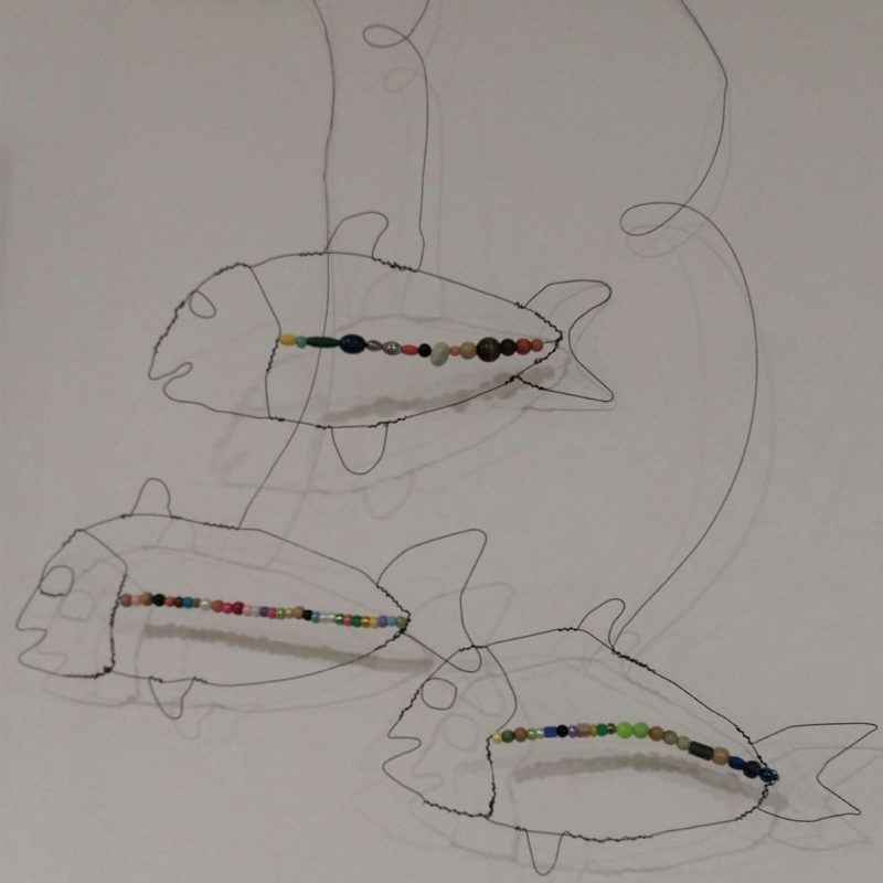 3 fish mobile, drawing with wire and coloured beads