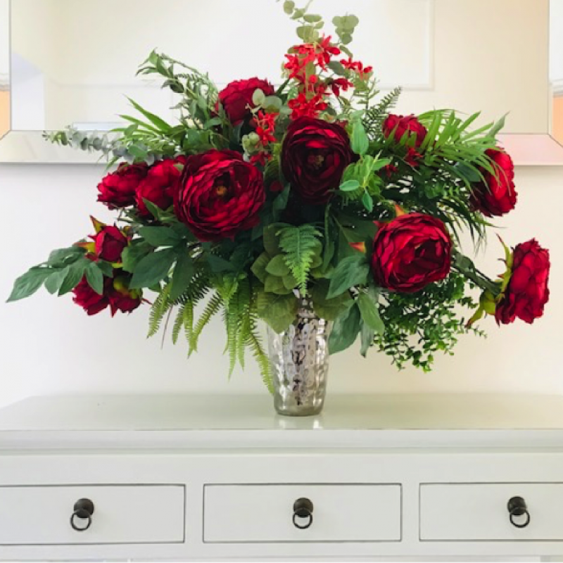 Indelible Bouquet offers flexible, cost-effective and highly convincing alternative to fresh flowers for clients wanting beautiful bespoke silk arrangements for their offices, events, private clubs, hotels or even homes