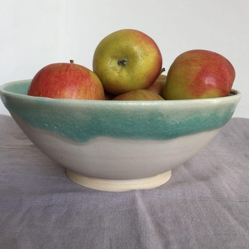 Matt white and shiny green bowl