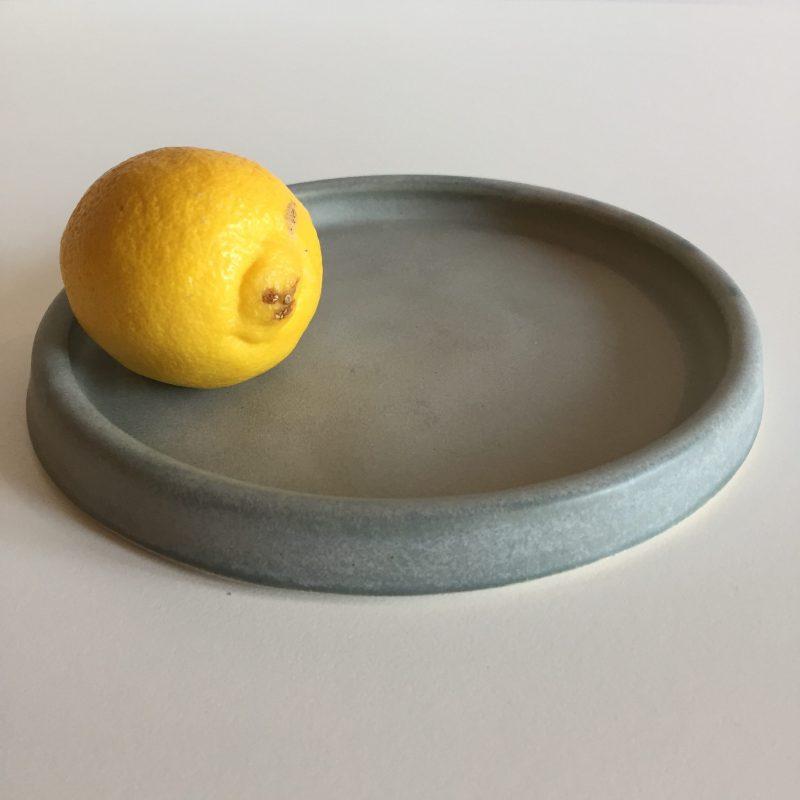 Matt grey shallow plate