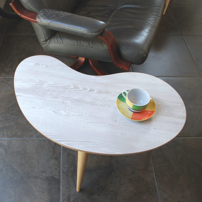 Curved formica table